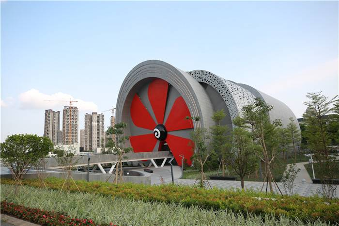 酷似飛機發動機的順德工業發展館。.JPG